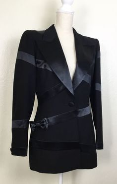 Women's Clothing Sporting Escada Black Wool Jacket Blazer Huge Genuine Fox Fur Cuffs Size L 42 Products Are Sold Without Limitations Suits & Suit Separates