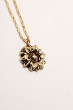 Flower statement pendant - daisy necklace - floral hippie jewelry