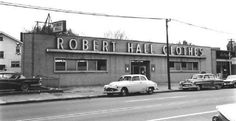 Robert Hall Clothing, 2900 block of North Devon Avenue Walgreens Photo Coupon, Old Photos, Vintage Photos, Jersey Vintage, Staten Island New York, Chicago School, New Jersey, Black Friday, Mall