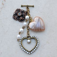 Lookie ... It's Spring at Chick's Picks March 14-17! Just Beautiful! Toggle Necklaces.