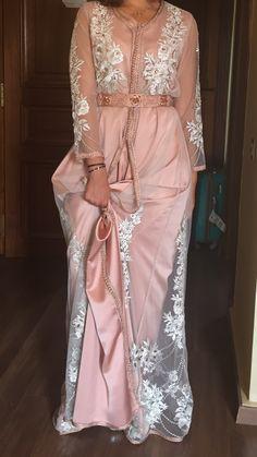 Moroccan Caftan, Moroccan Style, Modest Fashion, Fashion Dresses, Arabic Dress, Hijab Fashion Inspiration, Caftan Dress, African Dress, Traditional Outfits