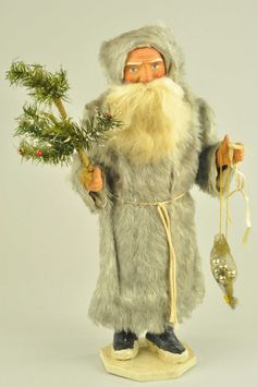 FATHER CHRISTMAS CANDY CONTAINER for auction. Germany, Father Christmas dressed in a long silver fox fur coat, composition hands & face with wonderful expression, holding feather tree, vibrant details. Antique Christmas Ornaments, Christmas Past, Victorian Christmas, Father Christmas, Christmas Candy, Vintage Christmas, German Christmas, Christmas Classics, Christmas Gifts