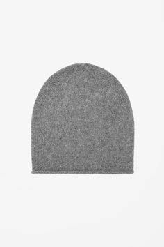This warm, comfortable hat is made from pure cashmere with an extra-soft, fuzzy finish. Slightly oversized, it can also be worn folded back for a closer fit.