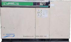 Máy nén khí cũ Hitachi 55 kw không dầu biến tần DSP-55VATR6 là sản phẩm máy nén khí trục vít không dầu 2 cấp nén với công suất tổng thể là 55 kw và sử dụng biến tần để điều khiển tốc độ quay của đầu nén. Máy được sử dụng để cung cấp khí nén cho các lĩnh vực sản xuất yêu cầu khí nén sạch (không có dầu 100% và được làm khô) như các lĩnh vực dưới đây:  Sản xuất thực phẩm, bánh kẹo, đồ uống Sản xuất thuốc, thiết bị y tế Dùng cho ngành điện tử