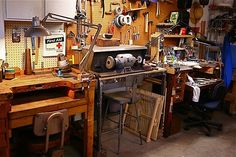 """Metals studio Two work stations with a """"dirty"""" polishing area in the center."""