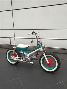 Cafe Racer Honda, Honda Cub, Scooter Motorcycle, Moto Bike, Custom Wheels, Custom Bikes, Vintage Moped, Motos Honda, Build A Bike