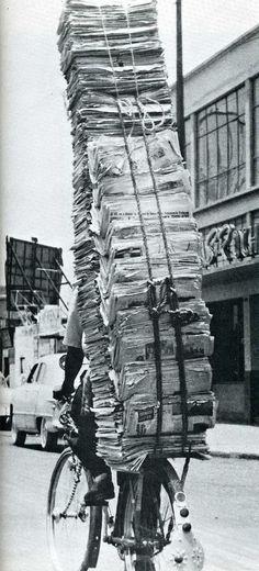 Livreur de journaux.