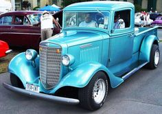 1934  HARVESTER Antique Car