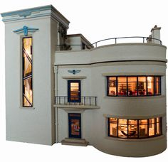 Art Deco house made by Chris and Joan Rouch of Toptoise Design in Selkirk, Scotland in 48th scale