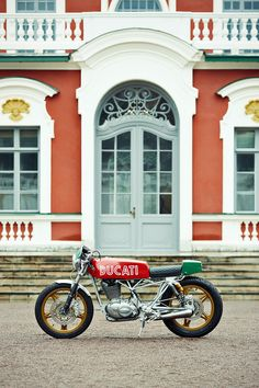 Love this fresh and funky little Ducati Vento 350 cafe racer from Renard Speed Shop.