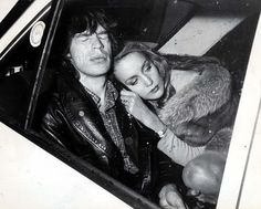 Studio 54 opened it's doors on April Among the many celebrities present during opening night were Mick Jagger, Liza Minnelli, Jerry Hall, Diana. Studio 54, Mick Jagger, Divas, Jerry Hall, Edward Norton, Estilo Rock, Serge Gainsbourg, Famous Couples, Keith Richards