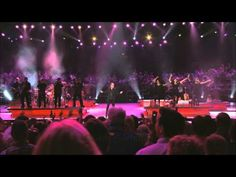 Neil Diamond - Sweet Caroline (2008, with lyrics) - YouTube