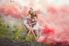 Цветной дым, краски Холи