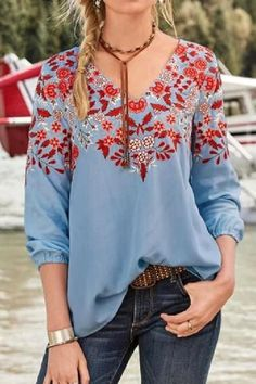 Vintage Floral Print Paneled V-neck Balloon Sleeves T-shirt - Shopingnova Casual Tops For Women, Blouses For Women, Half Sleeves, Types Of Sleeves, T Shirts, Shirt Blouses, Floral Tops, Floral Prints, Online Clothing Stores