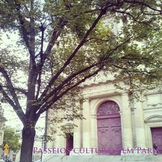 """Passeios Culturais em Paris: """"Esperar sob o Olmo"""""""