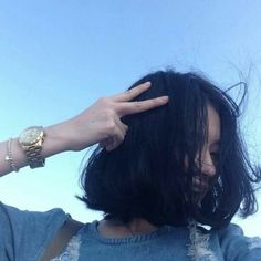 The Secrets To Having Great Looking Hair - Lifestyle Monster Ulzzang Short Hair, Korean Short Hair, Blue Hair Aesthetic, Aesthetic Girl, Uzzlang Girl, Girl Inspiration, Girl Short Hair, Hair Inspo, Pretty People