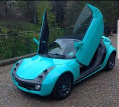 Smart Roadster Coupe, Super Funny Memes, Cars And Motorcycles, Cool Cars, Vehicles, Pink, Cars, Car, Pink Hair