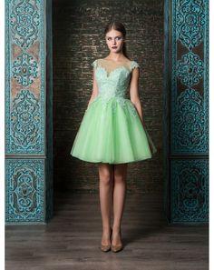 a5924831ed64 Koktejlové spoločenské šaty so širokou tylovou sukňou
