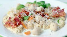 Ukens matblogg: Pasta med kamskjell og bacon Pasta Salad, Risotto, Potato Salad, Bacon, Potatoes, Ethnic Recipes, Food, Basil, Crab Pasta Salad