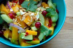 Een salade met mango is lekker zoet en fris en past uitstekend bij Oosterse gerechten. De salade geeft je een zomers en tropisch gevoel.