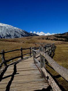 Yu Long Mountain, Lijiang, China  | China photo