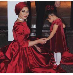 "599 Likes, 13 Comments - |||dope hijab ||| (@dope_hijab) on Instagram: ""admin@gina.makki #dope#hijab#style#fashion#fashionista #fashionable #fashionaddict #beautiful…"""