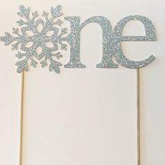 One cake topper, winter onederland cake topper, winter onederland decorations, first birthday decorations, cake smash, photography prop by GoldenArrowBoutique on Etsy https://www.etsy.com/listing/259712392/one-cake-topper-winter-onederland-cake