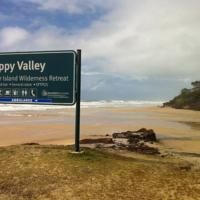 Découverte de Fraser Island avec The Discovery group ! Fraser Island, Happy Valley, Australia Hotels, Great Hotel, Pacific Ocean, Wilderness, Discovery, Swimming Pools, Travel Destinations