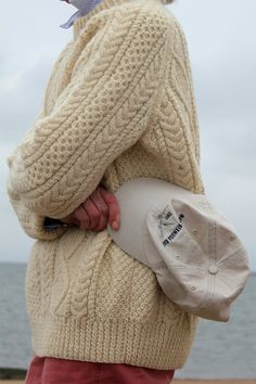 Ode to the Fisherman Sweater – fashion two ways Mode Bcbg, Aran Knitting Patterns, Ivy Style, Preppy Style, Preppy Boys, Cable Knit Sweaters, Cozy Sweaters, Sweater Weather, Summer Looks