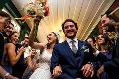 Confira o casamento completo de Fernanda e Nestor no EuAmoCasamento.com! #euamocasamento #NoivasRio. Foto de Adriano Cardozo.