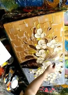 How to paint the round flower petals with acrylic? Step by step videos Use round palette knife, thic Wall Painting Flowers, Easy Flower Painting, Texture Painting On Canvas, Acrylic Painting Canvas, Canvas Wall Art, Abstract Metal Wall Art, Textured Painting, Palette Knife, Palette Wall
