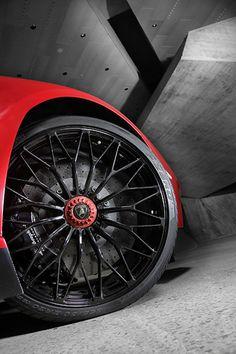 Lamborghini Aventador LP 750-4 Superveloce Coupé 2015, Wheel Detail. More Images On The Following Link: https://www.carspecwall.com/lamborghini/aventador/aventador-lp-750-4-superveloce-coupe-2015/