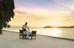 Located on Hamilton Island, in the heart of Whitsundays, Australia, the Qualia Luxury Resort. Australia Honeymoon, Australia Travel, Best Resorts, Best Hotels, Amazing Hotels, Beach Dinner, Hamilton Island, Best Honeymoon, Honeymoon Ideas