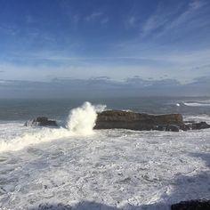 Biarritz ce matin ! #côtebasque #biarritz #ocean #oceanatlantique #atlantique #vagues #waves #surf #ciel #bleu #sky #cloud #nuages #basque #paysbasque #enmodebasque #CôteBasque