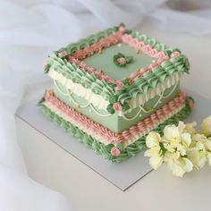 Trend Alert! Kitsch Buttercream Wedding Cakes are the latest wedding cake trend filling our Instagram feeds! | One Fab Day Pretty Birthday Cakes, Pretty Cakes, Beautiful Cakes, Amazing Cakes, Cupcakes, Cupcake Cakes, Frog Cakes, Buttercream Wedding Cake, Just Cakes