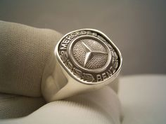 mercedes benz silver , weight very big ring. Mercedes G Wagon, Mercedes Maybach, Mercedes World, Mercedes Benz Logo, Big Rings, Rings For Men, Mercedes Accessories, Men's Accessories, Mercedes Benz Wallpaper