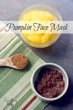a DIY pumpkin face mask recipe to naturally exfoliate and soften your skin. Pumpkin is full of vitamins and minerals that your skin loves. Pumpkin Mask, Pumpkin Faces, Diy Pumpkin, Pumpkin Recipes, Pumpkin Puree, Pumpkin Spice, Face Scrub Homemade, Homemade Face Masks, Homemade Skin Care