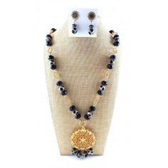 Maxi Collar Agatas Negro Blanco + Aretes Maxi Collar, Beaded Necklace, Necklaces, Stuff To Buy, Jewelry, Fashion, Necklace Set, Collares Largos, Bracelets