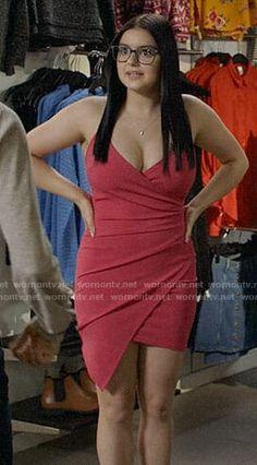 WornOnTV: Alex's pink asymmetric dress on Modern Family Curvy Women Fashion, Girl Fashion, Fashion Outfits, Ariel Winter Hot, Ariel Winter Bikini, Ariel Winter Modern Family, Arial Winter, Tv Show Outfits, Family Outfits