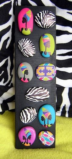 Creative Ideas for Painted Pebble and River Stone Crafts Pebble Painting, Dot Painting, Pebble Art, Stone Painting, Stone Crafts, Rock Crafts, Diy And Crafts, Arts And Crafts, Pebble Stone