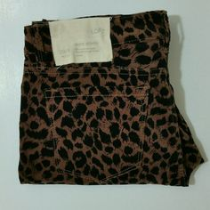 Loft Velvet Super Skinny 8P Loft Velvet Super Skinny in leopard  Size 8/29 Petite. NWT.   Waist 16 Rise 8.5 Inseam 28  No Trade or PP  Offers Considered  Bundle discounts LOFT Pants Skinny