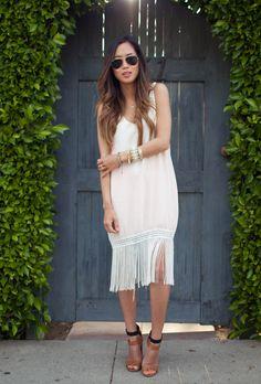 loveeeeeee this fringe dress