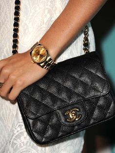Google Image Result for http://4.bp.blogspot.com/-JGoUROb_U3c/T6w3ZxwKhYI/AAAAAAAACdQ/wS9hIyXPoIo/s640/rby-Ashley-Tisdale-chanel-bag-purse-2012-lgn.jpg
