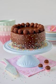 Brigadeiro Cake, Brigadeiro Chocolate, Masha Cake, Bolo Cake, Food Wishes, Ice Cream Party, Drip Cakes, Food Cakes, Chocolate Lovers