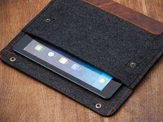 http://blucase.co.uk/ipad/ipad-felt.html?acc=9bf31c7ff062936a96d3c8bd1f8f2ff3  iPad case
