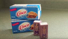 This DIY She Does With CRISCO and ESSENTIAL OILS Is SURPRISINGLY AWESOME! - http://www.wisediy.com/this-diy-she-does-with-crisco-and-essential-oils-is-surprisingly-awesome/