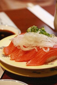 Salmon Sushi, make me hungry