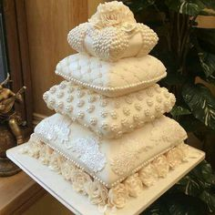 My pillow cakes - cake by Liz Sheridan Creative Wedding Cakes, Amazing Wedding Cakes, Wedding Cake Designs, Creative Cakes, Amazing Cakes, Fancy Wedding Cakes, Pillow Wedding Cakes, Pillow Cakes, Gorgeous Cakes