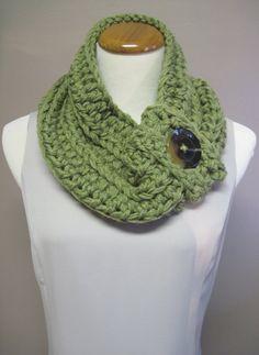 Chunky Bulky Button Crochet Neck Warmer Cowl by CrochetCluster