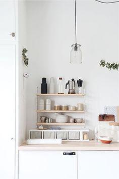Basic keuken met lederen handgrepen - bekijk en koop de producten van dit beeld op shopinstijl.nl